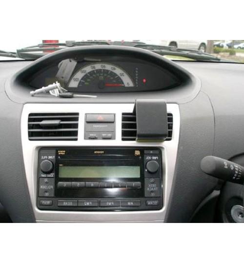 Toyota Yaris Brodit ProClip Mounting Bracket - Center mount (653835)