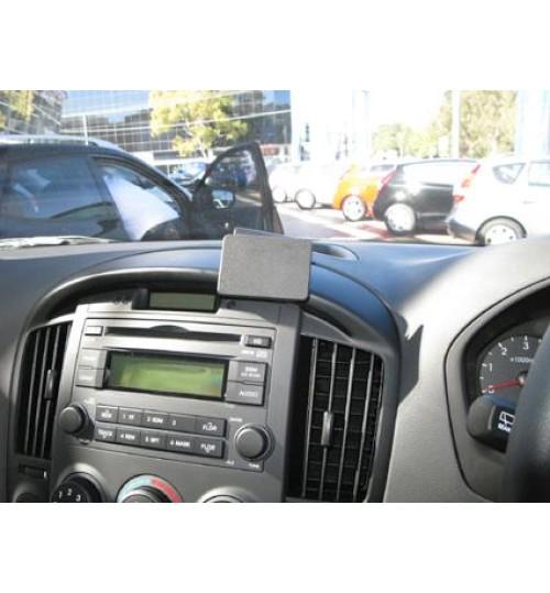 Hyundai H1, iLoad, iMax Brodit ProClip Mounting Bracket - Center mount (654470)