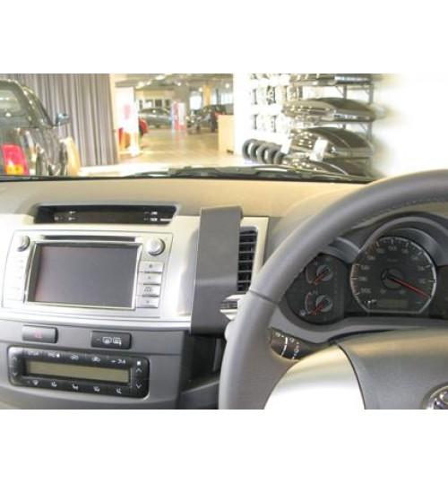 Toyota Hi-Lux Brodit ProClip Mounting Bracket - Center mount (654742)