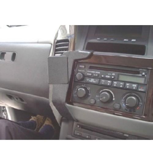 Mitsubishi Shogun Brodit ProClip Mounting Bracket - Angled mount (653169)