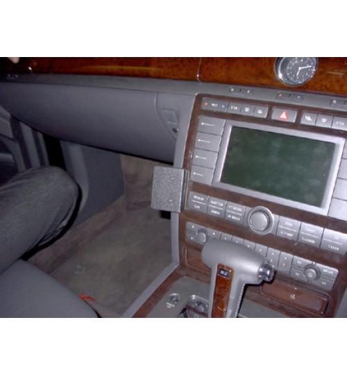 Volkswagen Phaeton Brodit ProClip Mounting Bracket - Angled mount (653180)