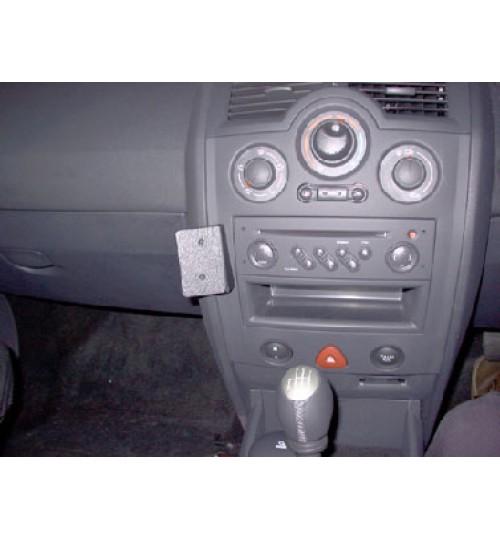 Renault Megane Brodit ProClip Mounting Bracket - Angled mount (653182)