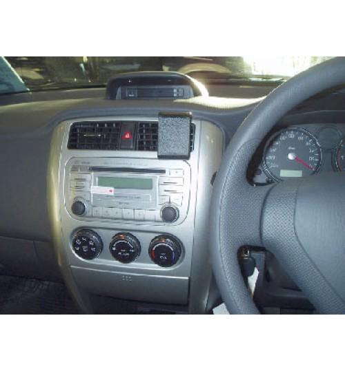 Suzuki Aerio, Liana Brodit ProClip Mounting Bracket - Center mount (653405)