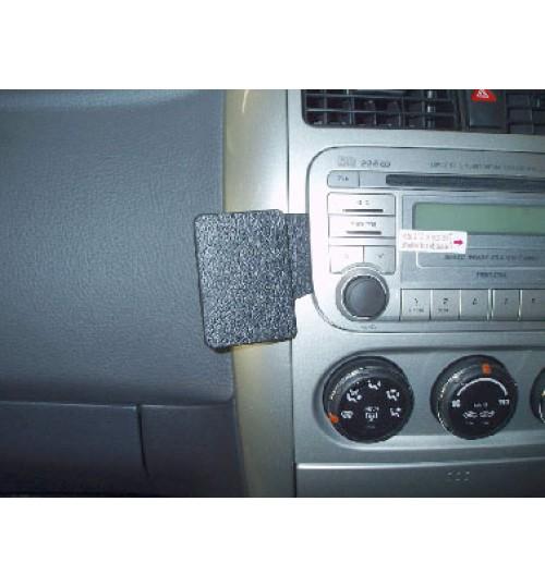 Suzuki Aerio, Liana Brodit ProClip Mounting Bracket - Angled mount (653406)