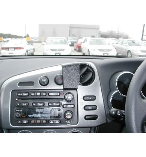 Toyota Matrix Brodit ProClip Mounting Bracket - Center mount (653448)