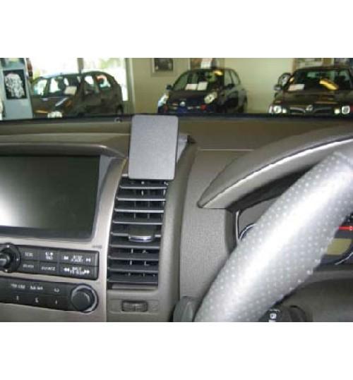 Nissan Navara, Pathfinder Brodit ProClip Mounting Bracket - Center mount (653613)