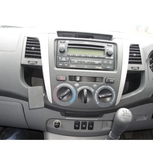 Toyota Hi-Lux Brodit ProClip Mounting Bracket - Angled mount (653722)