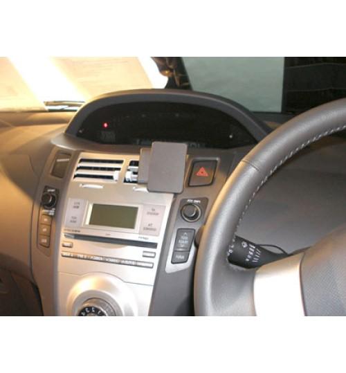 Toyota Yaris Brodit ProClip Mounting Bracket - Center mount (653741)