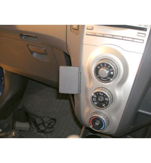 Toyota Yaris Brodit ProClip Mounting Bracket - Angled mount (653742)