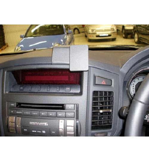 Mitsubishi Shogun Brodit ProClip Mounting Bracket - Center mount (653981)