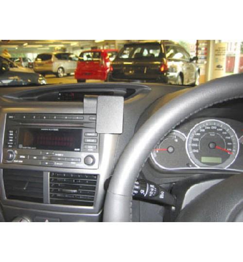 Subaru Forester, Impreza Brodit ProClip Mounting Bracket - Center mount (654082)
