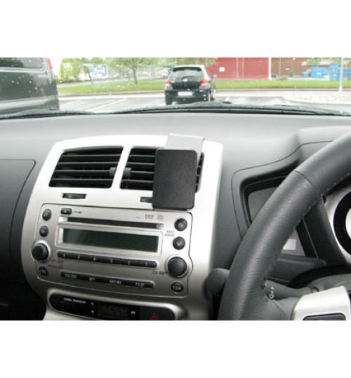 Toyota Urban Cruiser Brodit ProClip Mounting Bracket - Center mount (654111)