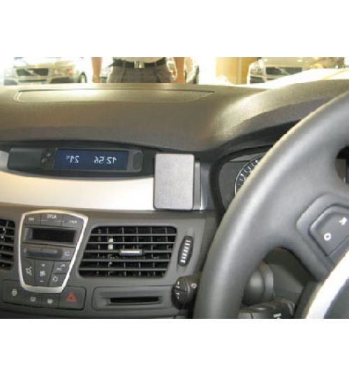 Renault Laguna Brodit ProClip Mounting Bracket - Center mount (654132)