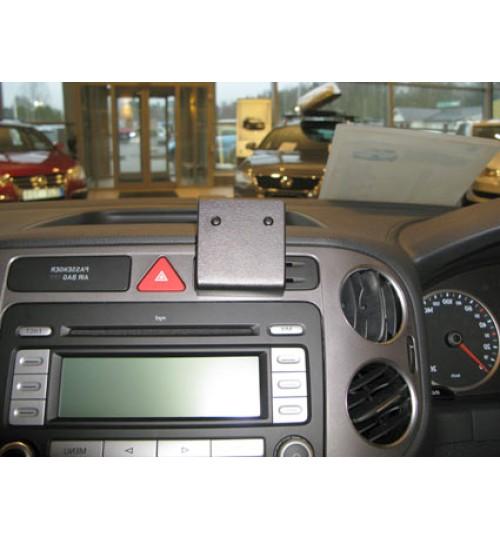 Volkswagen Golf Plus, Tiguan Brodit ProClip Mounting Bracket - Center mount (654135)