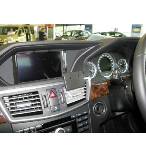 Mercedes E-Class Brodit ProClip Mounting Bracket - Center mount (654330)