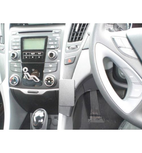 Hyundai Sonata Brodit ProClip Mounting Bracket - Center mount (654502)