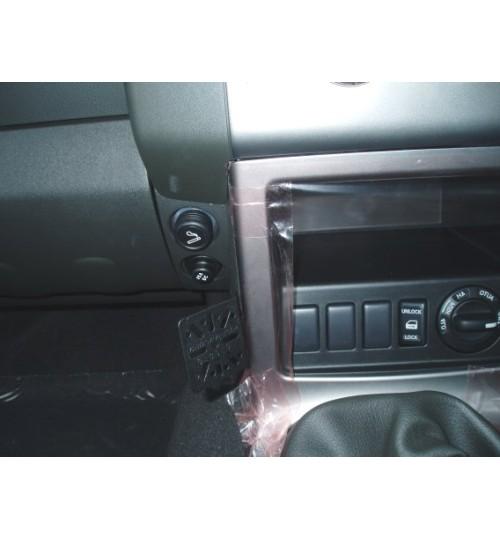 Dashmount 71040 Upper Console Mounting Bracket Nissan Navara 2006 > with Factory Nav