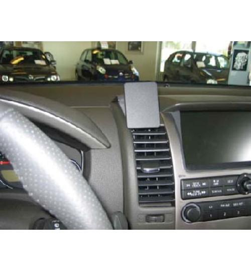 Nissan Frontier, Pathfinder Brodit ProClip Mounting Bracket - Center mount (853613)