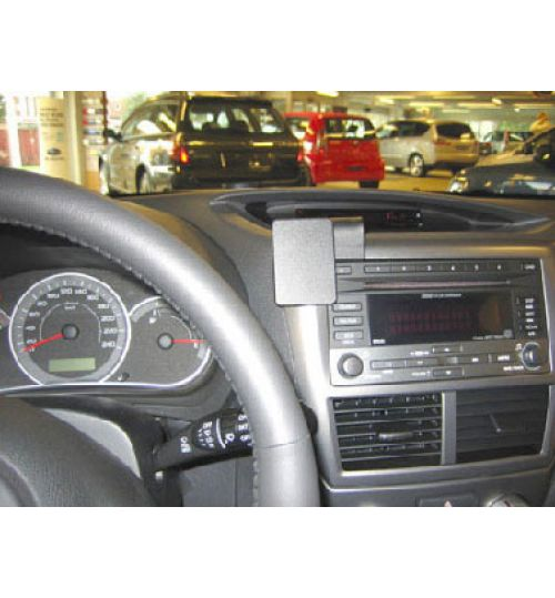 Subaru Forester, Impreza Brodit ProClip Mounting Bracket - Center mount (854082)