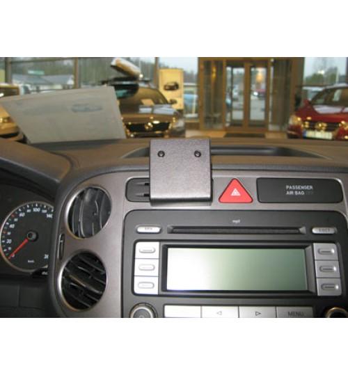 Volkswagen Golf Plus Brodit ProClip Mounting Bracket - Center mount (854135)
