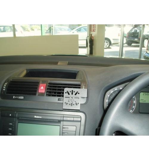 Dashmount 71085 Upper Console Mounting Bracket Skoda Octavia 2004 > Vent