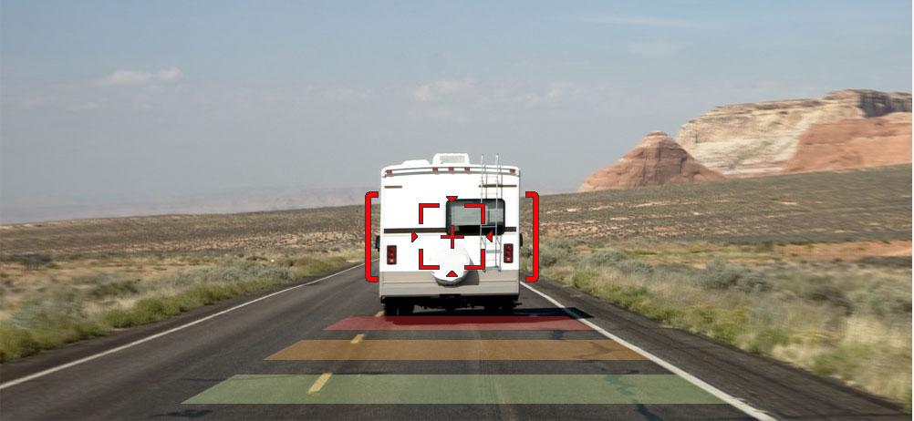 Thinkware-f200pro-dashcam-features-forward-collision-warnig